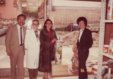 Susanna de Simone e la mamma Eliana con due compratori Americani